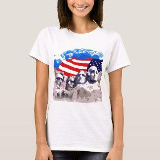 T-shirt Le mont Rushmore avec le drapeau américain