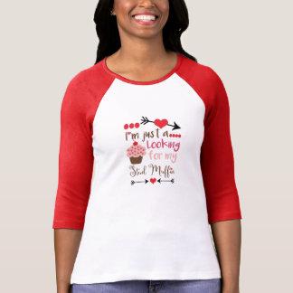 T-shirt Le petit gâteau de Valentine recherchant le petit