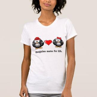 T-shirt Le pingouin I a trouvé mon compagnon pour le coeur