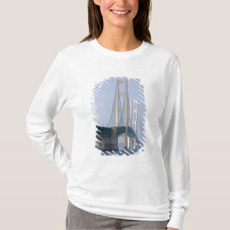 T-shirt Le pont de Mackinac enjambant les détroits de