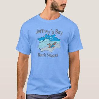 T-shirt Le surfer giflé par plage de la baie de Jeffrey