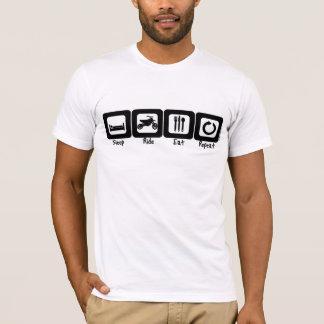 T-shirt Le tour de sommeil mangent la répétition