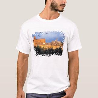 T-shirt Le village toscan de Sienna, Italie