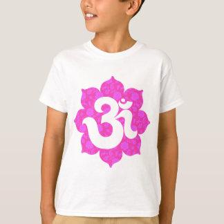 T-shirt Le yoga OM dans Lotus dentellent
