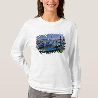 T-shirt L'eau de canal grand avec des bateaux de gondalo