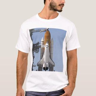 T-shirt L'effort de navette spatiale repose prêt