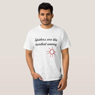 T-shirt Les araignées sont l'ennemi le plus dur