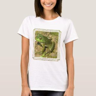 T-shirt Les dames de conception de grenouille ont adapté