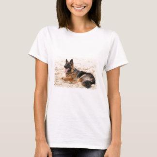 T-shirt Les dames de repos de chien de berger allemand ont