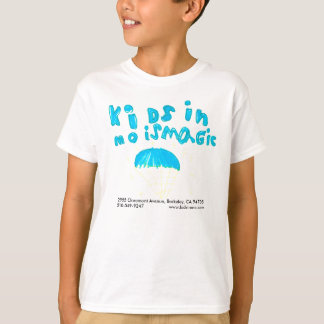 T-shirt Les enfants de Raven dans la chemise de mouvement