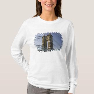 T-shirt Les Etats-Unis, Ohio, Cincinnati : Suspension 3 de