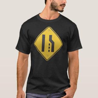 T-shirt Les extrémités de ruelle fusionnent à gauche