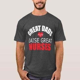 T-shirt Les grands papas élèvent de grandes infirmières