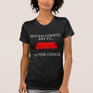 T-shirt Les psychiatres le font… sur le divan