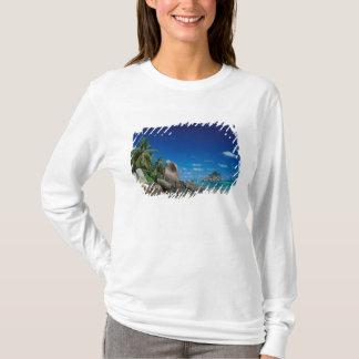 T-shirt Les Seychelles, île de Mahe, plage d'Anse Royale