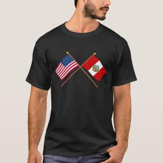 T-shirt Les USA et drapeaux croisés par Pérou