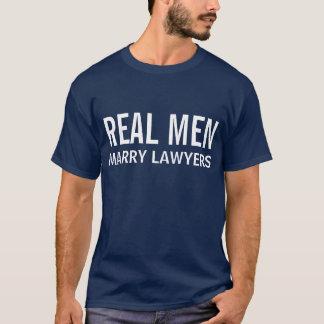 T-shirt Les vrais hommes épousent des avocats