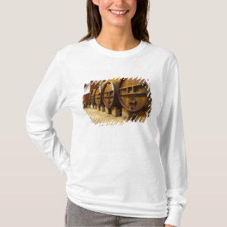 T-shirt L'établissement vinicole de cave avec de grands