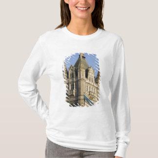 T-shirt L'Europe ANGLETERRE, Londres : Pont de tour/tard