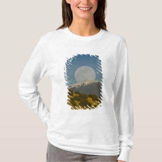 T-shirt Lever de la lune au-dessus de Sangre de Cristo