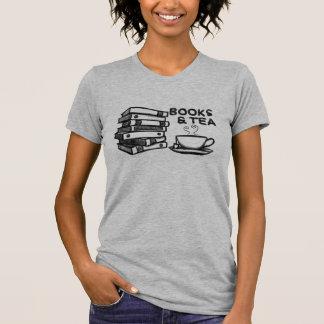 T-shirt Livres et thé tirés par la main
