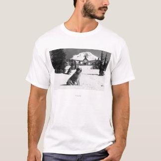 """T-shirt Loge et """"Madame"""" de Timberline le propriétaire"""