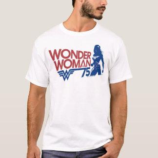 T-shirt Logo rouge et bleu d'anniversaire de femme de