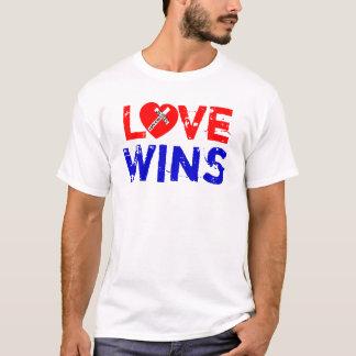 T-shirt Love Wins - Jesus Saves (Heart)