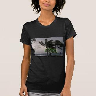 T-shirt Lumières de vacances sur des palmiers