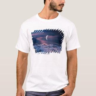 T-shirt Lune au-dessus des nuages