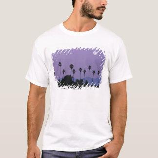 T-shirt Lune au-dessus des palmiers au crépuscule,