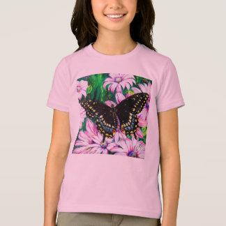T-shirt Machaon sur les fleurs roses