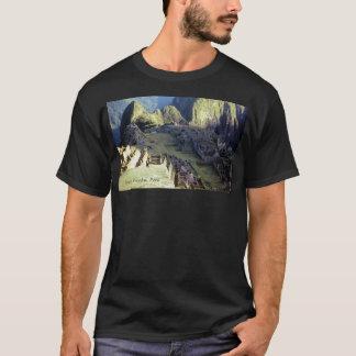"""T-shirt """"Machu Picchu obscurité à aube"""""""