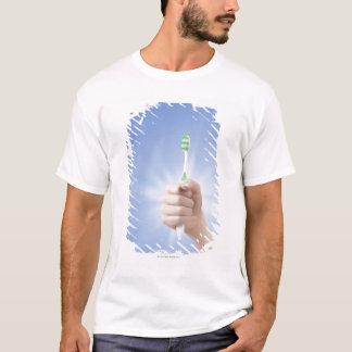 T-shirt Main tenant la brosse à dents