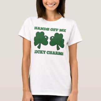 T-shirt Mains outre de moi charmes chanceux