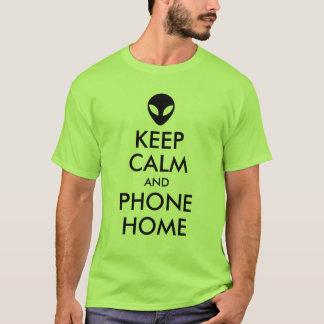 T-shirt Maintenez parodie étrangère à la maison calme et