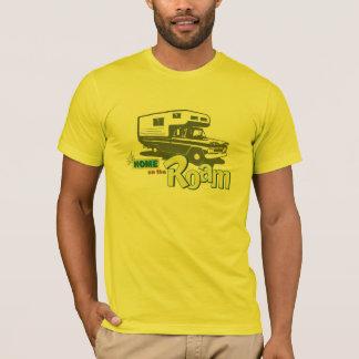 T-shirt Maison sur le rétro camion rv de campeur de
