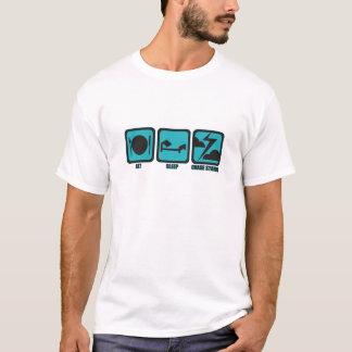 T-shirt Mangez les tempêtes de chasse de sommeil