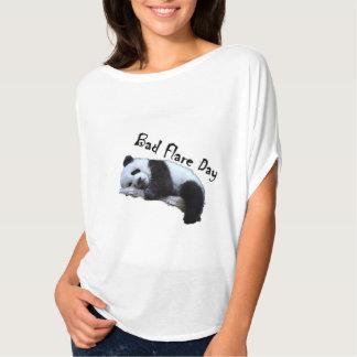 T-shirt Mauvaise chemise de panda de jour de fusée Slouchy