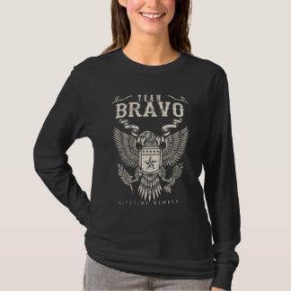 T-shirt Membre de vie de BRAVO d'équipe. Anniversaire de