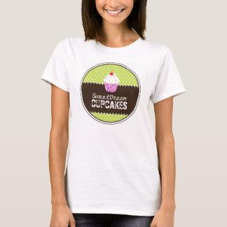 T-shirt mignon de boulangerie de petit gâteau