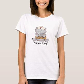 T-shirt mignon de soin d'infirmières