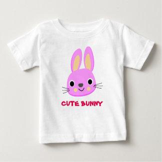 T-shirt mignon d'enfant de lapin