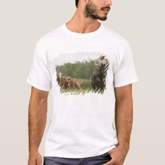 T-shirt Mike Campbell retournant avec des vaches,