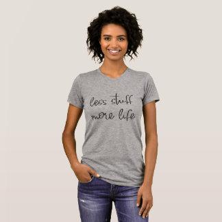 T-shirt moins de substance plus de gris de chemise de la