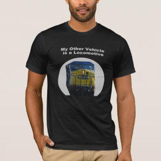 T-shirt Mon autre véhicule est une pièce en t locomotive