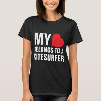 T-shirt Mon coeur appartient à un Kitesurfer