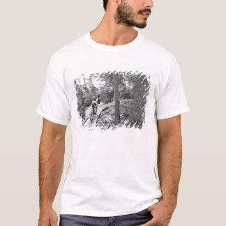 T-shirt Montagne d'Aaron Rodgers faisant du vélo sur