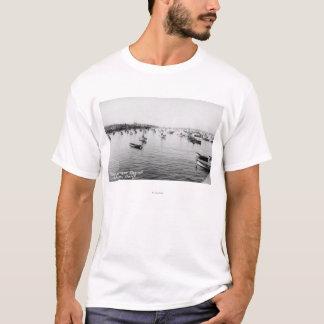 T-shirt Monterey, CA - baie avec des centaines de bateaux
