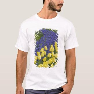 T-shirt Motif de jardin des fleurs de jacinthe de raisin
